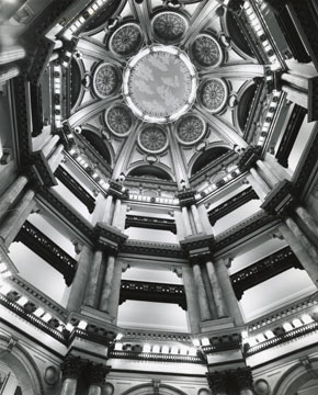 Federal Building (dome), Chicago, Illinois. Henry Ives Cobb, architect. Harold Allen, photographer. David Garrard Lowe Historic Chicago Photograph Collection, Ryerson and Burnham Archives, The Art Institute of Chicago.