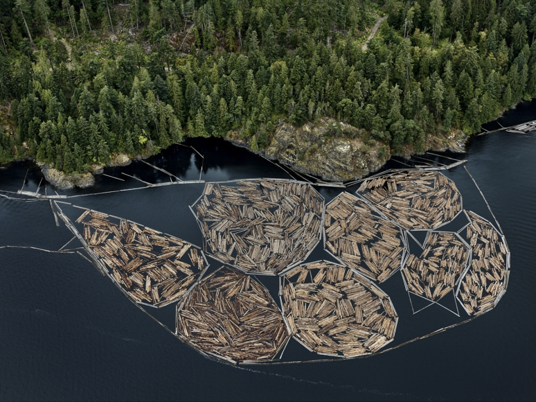 Edward Burtynsky, Log Booms #1, Vancouver Island, British Columbia, Canada 2/6, 2016 - Pigment inkjet print on Kodak Professional photo paper - 48 x 64 inches